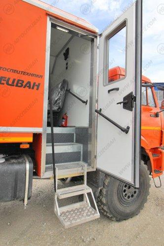Фото: Агрегат ремонта и обслуживания качалок КАМАЗ 43118-3027-50 с КМУ ИМ-50