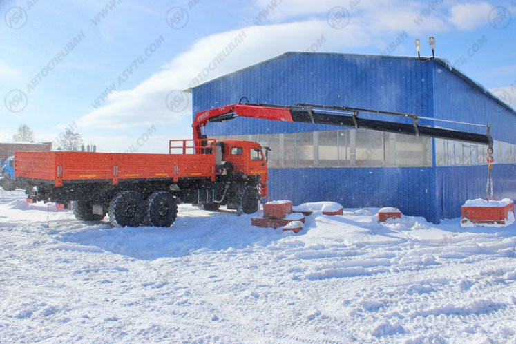 Фото: Бортовой автомобиль КАМАЗ 43118-3027-46 с КМУ Fassi F215A.0.24