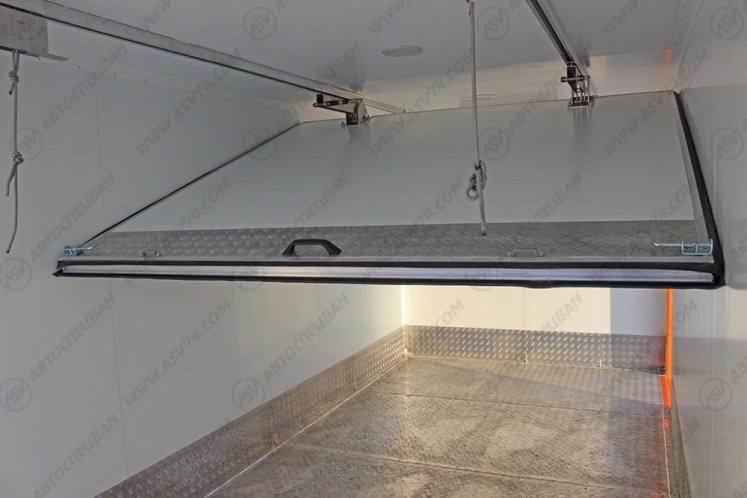 Фото: Изотермический фургон КамАЗ 43118-3027-46 с мультитемпературной перегородкой