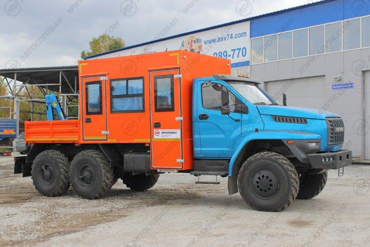 Фото: Вахтовый автобус с КМУ Урал 4320-6952-72 NEXT, 10 мест
