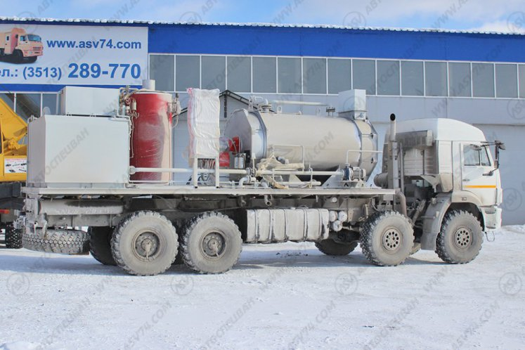 Фото: Паропромысловая установка ППУ 3500 на шасси КАМАЗ-63501-25 (8х8)