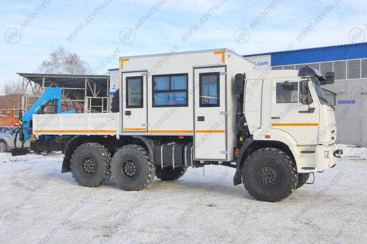 Фото: Вахтовый автобус с бортовой платформой и КМУ ИМ-55. КАМАЗ 43118-3027-50, 8 мест