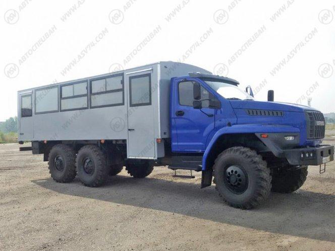 Фото: Вахтовый автобус Урал 3255-5013-71М, 28 мест
