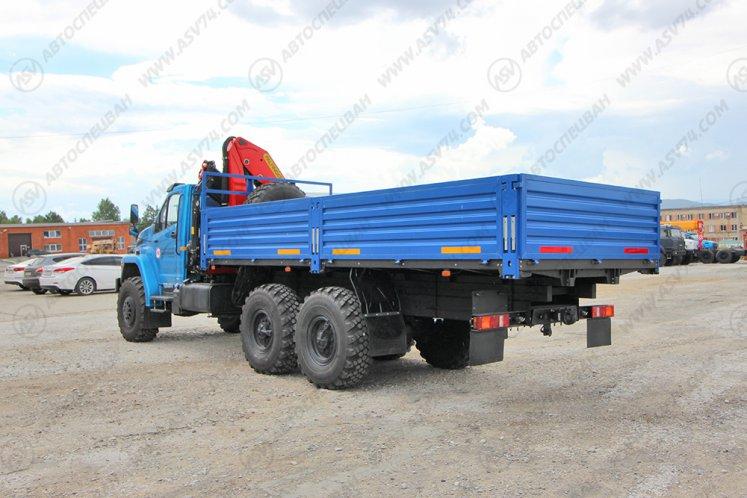 Фото: Бортовой автомобиль Урал 4320 NEXT (капотный) с КМУ Palfinger 18500