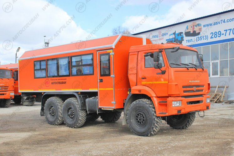 Фото: Вахтовый автобус с грузовым отсеком КАМАЗ 43118-3027-50, 22 места (ЖД габарит)