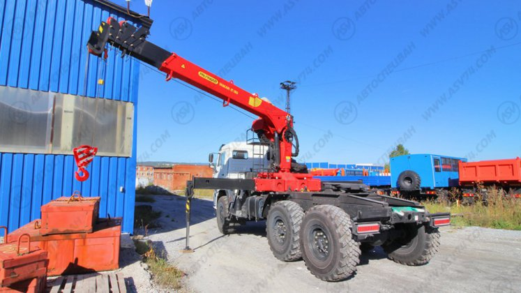 Фото: Седельный тягач КАМАЗ 43118-50 с КМУ ИТ-150 (тросовый)