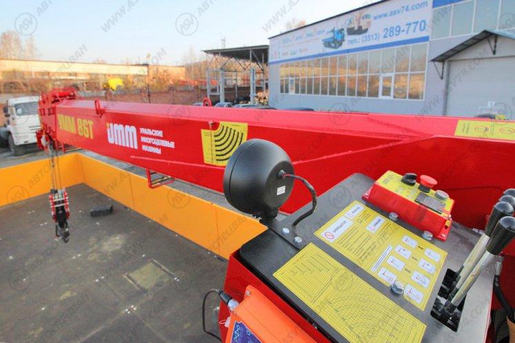 Фото: Бортовой автомобиль КамАЗ 65117-3010-48А5 с КМУ УММ 86Т