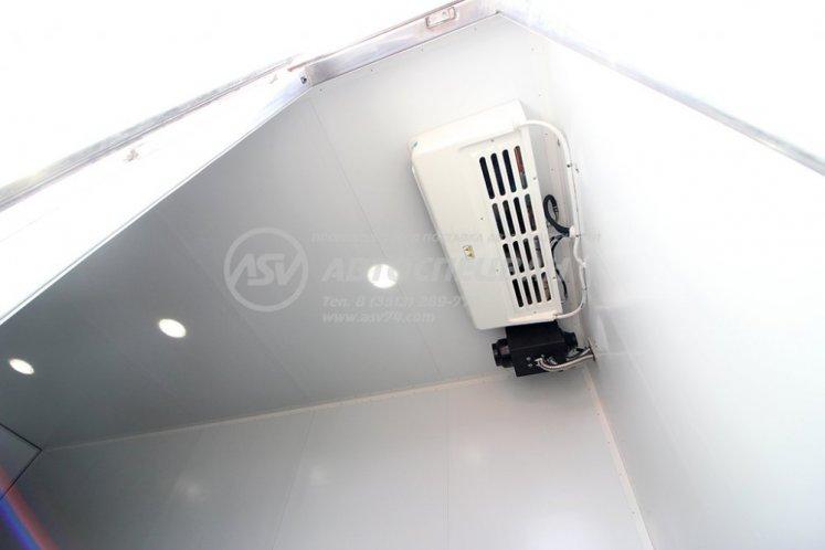 Фото: Рефрижератор с гидробортом ZEPRO и ХОУ Thermo King на шасси КамАЗ 43118-3027-50