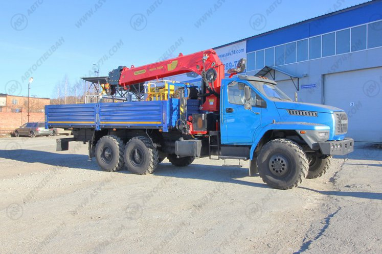 Фото: Бортовой автомобиль Урал 4320 NEXT (капотный) с КМУ IT-200 (тросовый)