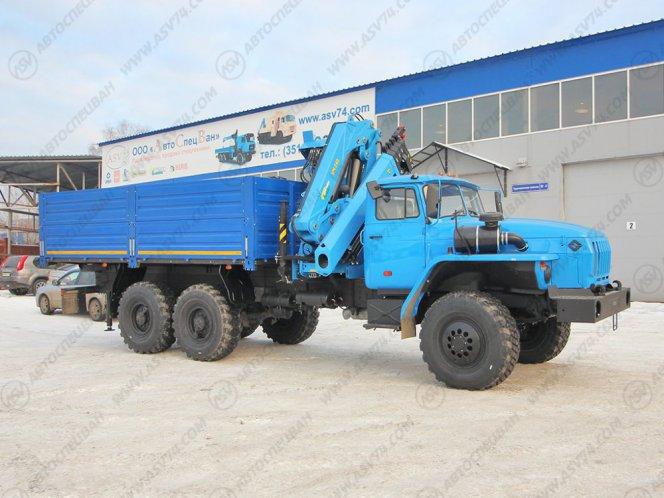 Фото: Бортовой автомобиль Урал 4320 (капотный) с КМУ ИМ-240-04