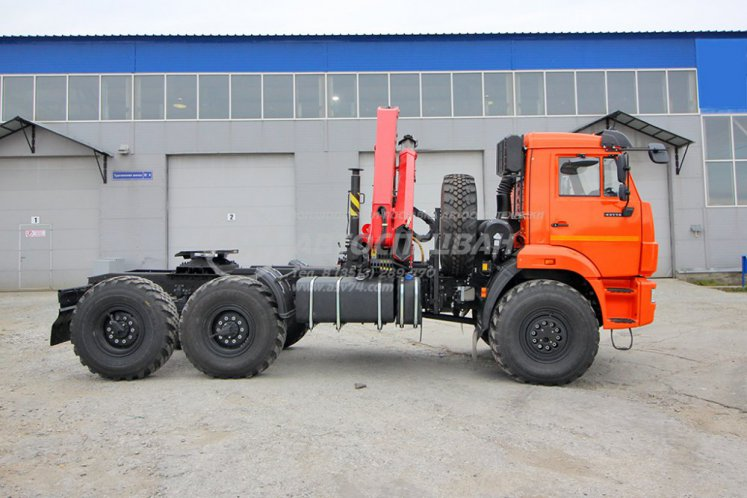 Фото: Седельный тягач КАМАЗ 43118-50 с КМУ IM-150N