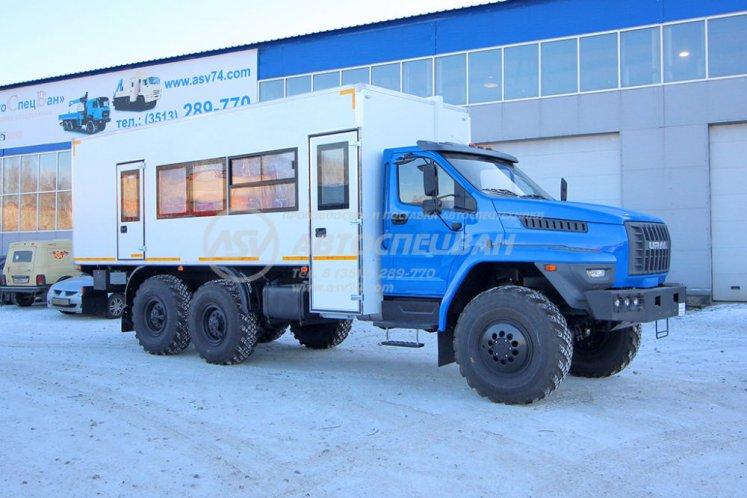 Фото: Вахтовый автобус LUXE с грузовым отсеком Урал NEXT 4320-6952-74 (Е5) Г38, 16 мест
