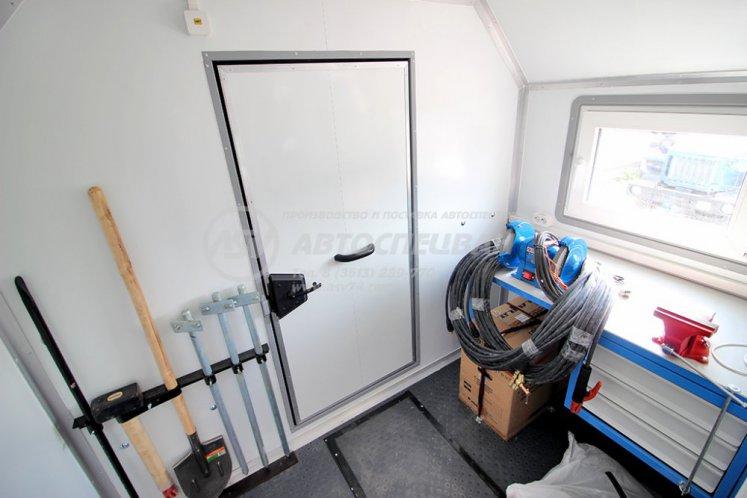 Фото: Агрегат для ремонта и обслуживания качалок АРОК КамАЗ 43118-3027-50 с КМУ ИМ-150