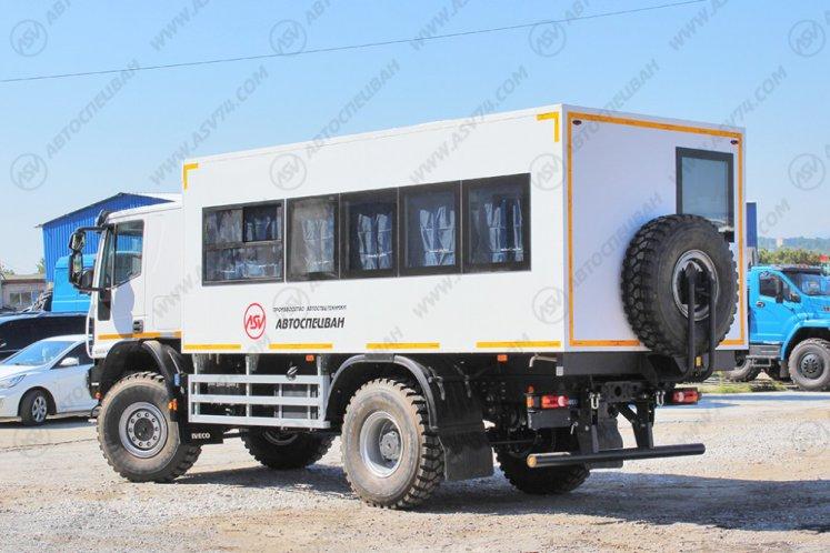 Фото: Вахтовый автобус Iveco Cargo MLL150E28WS со спальником, 22 места