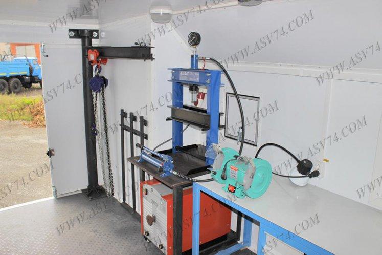 Фото: Передвижная мастерская КамАЗ 43118RF без токарного станка