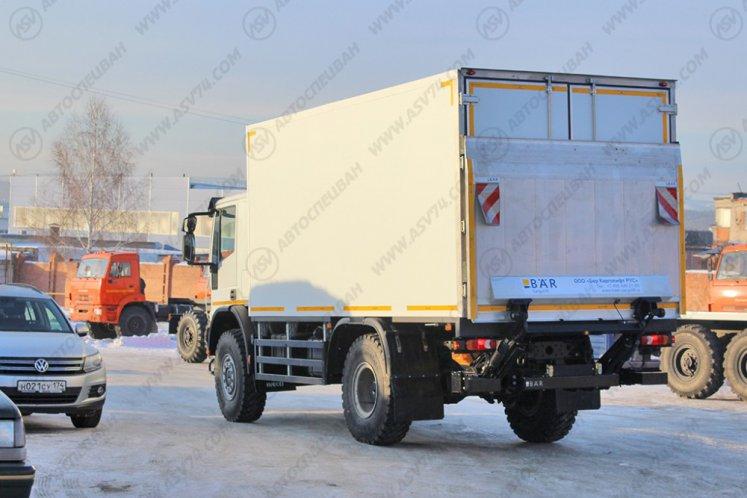 Фото: Изотермический фургон Iveco Cargo MLL150E28WS с мультитемпературной перегородкой, ХОУ, гидробортом