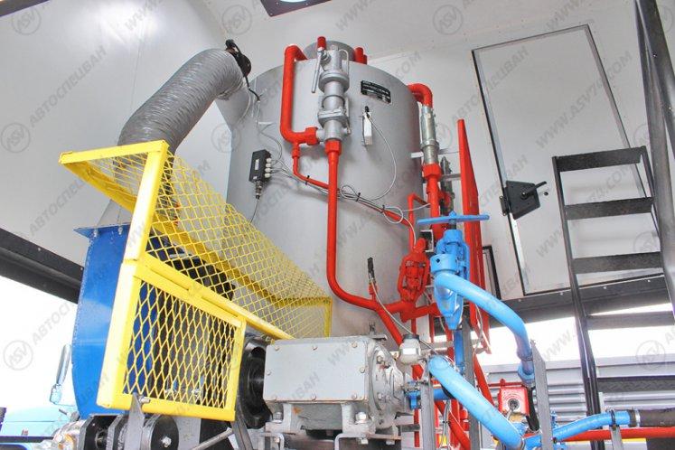 Фото: Паропромысловая установка ППУ на шасси КАМАЗ 43118