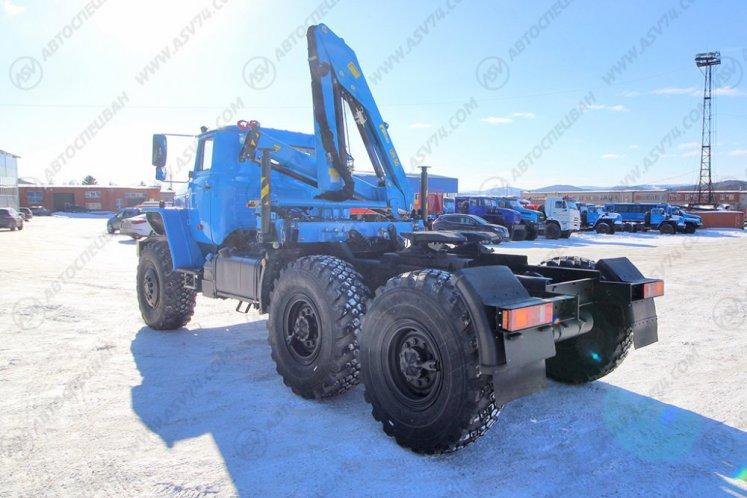 Фото: Седельный тягач Урал 44202-60М с КМУ ИМ-50