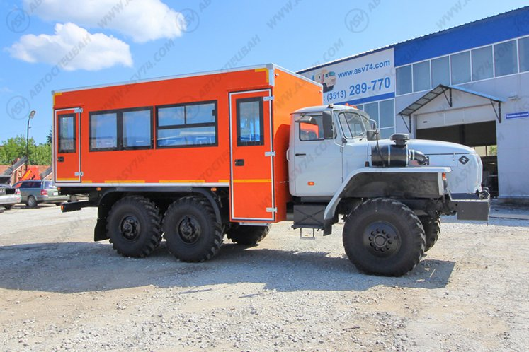 Фото: Вахтовый автобус УРАЛ 4320-1112-61Е5, 20 мест